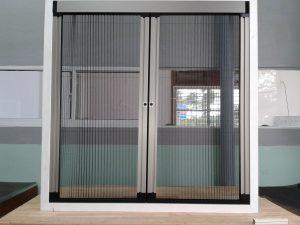 Công ty TNHH Trang trí Nội thất Hòa Phát chuyên cung cấp và lắp đặt các sản phẩm Cửa lưới chống muỗi dạng lùa.Cam kết nhập khẩu 100% sản phẩm chính hãng. Cửa lưới chống muỗi dạng lùabảo hành chính hãng dài hạn.  Hotline: 0937 521 505